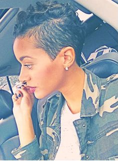 Not my texture but cuuute. she fly 👑 The Cut Life Dope cut on photo Cute Hairstyles For Short Hair, My Hairstyle, Pixie Hairstyles, Pixie Haircut, Short Hair Cuts, Curly Hair Styles, Natural Hair Styles, Haircuts, Pixie Mohawk