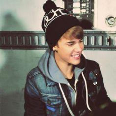 Especial de Justin sonriendo || Justin smiling special {5} #HK pic.twitter.com/FczoQyd9Ke