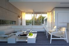 """House Between 2 Gardens by Pitsou Kedem Architects """"Location: Ramat HaSharon, Israel"""" 2010"""