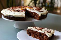 Mediterrán csokoládés sütemény narancsos mascarpone krémmel - RozéKacsa Cake Recipes, Cupcakes, Sweets, Cookies, Fruit, Food, Google, Mascarpone, Crack Crackers