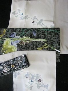 Japanese kimono and obi coordinates.