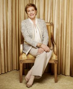 "Julie Andrews said she liked the way the movies ""The Princess Dairies"" stressed being ladylike, a quality sadly lacking in many young women today. Julie Andrews, Mary Poppins, Beautiful People, Beautiful Women, Eartha Kitt, Elisabeth, Celebrity Gallery, Olivia Newton John, Victoria"