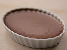Get Chocolate Creme Brulee Recipe from Ina Garten/Food Network Chocolate Creme Brulee, Barefoot Contessa, Chow Mein, Chocolates, Just Desserts, Dessert Recipes, Fancy Desserts, Dessert Ideas, Cream Brulee
