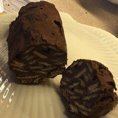 από τηνKaterina Christidou Για το μπισκότο Υλικά: 7 κουταλιές γάλα σκόνη 1 αβγο 3