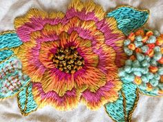 Embroidery Flowers Pattern, Wool Embroidery, Hand Embroidery Stitches, Embroidered Flowers, Floral Embroidery, Cross Stitch Embroidery, Embroidery Designs, Mexican Embroidery, Creative Embroidery