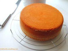 La génoise parfaite ! Rib Recipes, Sweet Recipes, No Bake Desserts, Delicious Desserts, Cake Designs, Cornbread, Biscuits, Wedding Cakes, Cheesecake