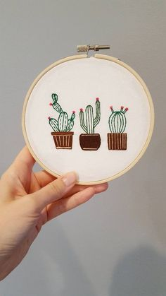 Cactus Embroidery DIY Kit - Hand Embroidery Kit - Hoop Art Kit Want to try hand embroidery but dont know where to start? Then this kit is for you! This sweet embroidery kit of three cacti is the perfect DIY kit for the beginner or advanced stitcher alike. Cactus Embroidery, Pillow Embroidery, Embroidery Hoop Art, Hand Embroidery Patterns, Embroidery Stitches, Machine Embroidery, Embroidered Cactus, Hand Embroidery Projects, Diy Sticker
