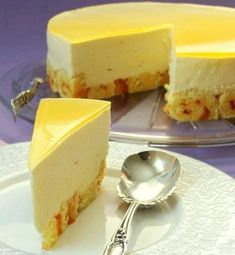 This mango mousse cake is a perfect dessert for a nice, sunny spring or summer day with a glass of freshly squeezed juice or a cocktail. Creamy and