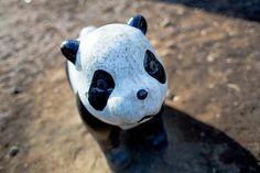 ボロボロのパンダの遊具