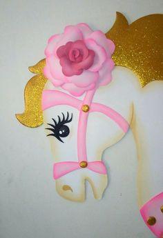Bello caballo de fantasía hecho en foami...🎠🎠🎠🎠🎠 Foam Sheet Crafts, Foam Crafts, Beautiful Flowers Images, Flower Images, Zoo Animal Crafts, Unicorn Crafts, Fondant Figures, Craft Box, Decorate Notebook
