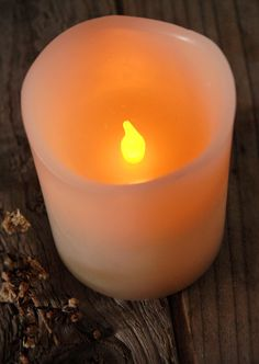 Battery Operated 4x3 Pillar Candles LED Vanilla Scented Ivory timer & dimmer $6.99 each / 3 for $5.99 ea.