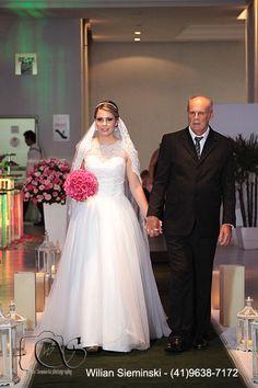 http://amandasantiago.com/cantinho-da-leitora-vestido-de-noiva/