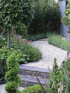 Ein mittelalterlicher Garten in La Gacilly #yvesrocher #beauty ...