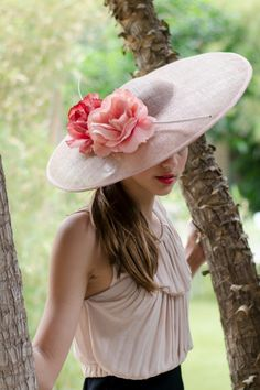 hats.quenalbertini: Big hat with flowers
