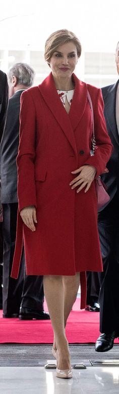 3033 mejores imágenes de Reina Letizia en 2019  2cd906d2e20e
