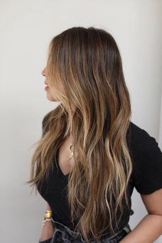 Brown Hair Balayage, Brown Blonde Hair, Hair Highlights, Brunette Highlights Summer, Brown Beach Hair, Golden Brown Highlights, Beach Highlights, Color Highlights, Long Brunette