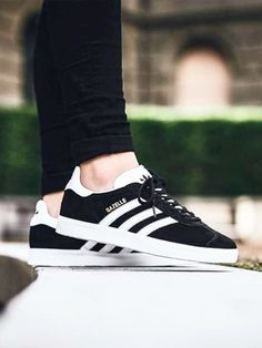 official photos 82519 4494c Der Adidas Gazelle in Schwarz.... Zapatos Adidas, Outfits Con Tenis,