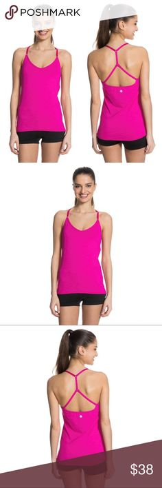 🌺 Roxy Coastal Cami Tank The Coastal Cami has got the game if you've got the gumption. A personalized fit can be created when you adjust the straps and remove the pads from the built-in bra. Plus, its soft flatlock seams prevent chaffing so you can enjoy even longer and stronger workouts.  94% polyester/6% elastane heather jersey. Roxy Tops Tank Tops