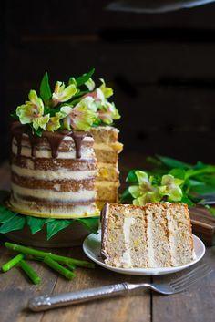 Как приготовить большой голый торт с цветами, торт с бананами и ананасом, торт колибри, украшение торта цветами, пошаговый рецепт с фото, блог andychef.ru