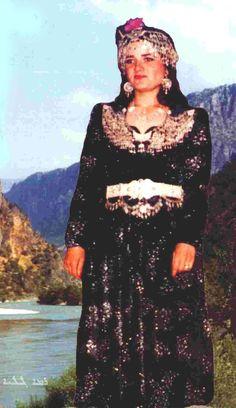 Assyrian (Chaldean) traditional festive clothing. Nothern Iraq, 2nd half 20th century.