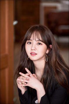 Kim So-hyun's University Dreams and Plans for the Future Kim Heechul, Asian Actors, Korean Actresses, Korean Actors, Korean Beauty, Asian Beauty, Ulzzang Hair, Kim Sohyun, Korean Celebrities