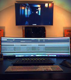 🖥️👍 The ultra-wide mix Home Office Setup, Office Workspace, Home Office Design, Music Studio Room, Sound Studio, Music Rooms, Consoles, Recording Studio Setup, Small Studio
