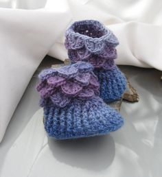 Button-less Baby Booties, Baby Slippers, 0-6 months Crocodile Stitch. $32.00, via Etsy.
