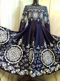 Spoločenské šaty Floral Folk - Folk, Modeling, Formal Dresses, Fashion, India, Dresses For Formal, Moda, Popular, Modeling Photography