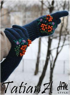 """Купить Укороченные перчатки с вышивкой """"Подарочные"""" - комбинированный, перчатки, перчатки женские, перчатки вязаные"""