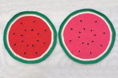 Anguria, menta e gelsomino: pre-collezione estiva 2014 #Centrotavola #Milano. Sottopiatti anguria cuciti all'uncinetto. Watermelon underplate/placemat crochet made in Italy.