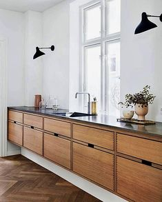 Dark, light, oak, maple, cherry cabinetry and painting wood kitchen cabinets gray. CHECK THE IMAGE for Many Wood Kitchen Cabinets. All White Kitchen, New Kitchen, Kitchen Layout, Awesome Kitchen, Minimal Kitchen, Kitchen Wood, Kitchen Paint, Beautiful Kitchen, Danish Kitchen