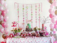 Baby Guide Festa Infantil: Decoração de Flores e Pássaros para Meninas - por Hipi Hurra!