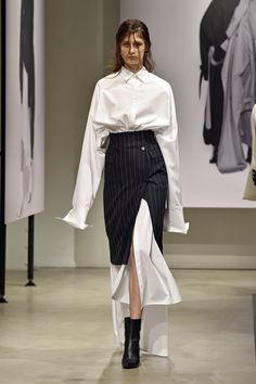 Elegant Splicing Shirt Dress With Striped Skirt Suit - The Effective Pictures We Offer You About fashion magazine A quality picture can tell you many thi - Look Fashion, Fashion Show, Fashion Outfits, Fashion Tips, Fashion Design, Fashion Trends, High Fashion Dresses, Suit Fashion, Couture Fashion