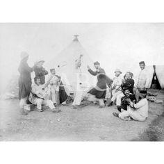 LA NAVIDAD EN MELILLA. - UN RATO DE EXPANSIÓN EN EL CAMPAMENTO DE CABRERIZAS ALTAS, DONDE ENCUENTRAN LOS REGIMIENTOS DE SABOYA Y WAD-RAS.01/12/1909: Descarga y compra fotografías históricas en   abcfoto.abc.es