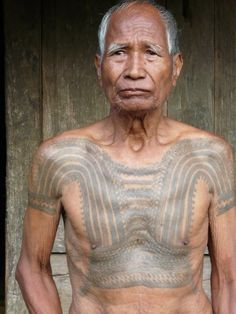 Tattooed former headhunter from Lubo village, Tanudan, Kalinga province, Northern Luzon, the Philippines