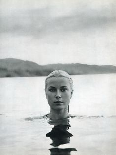 Grace Kelly. Portrait by Howell Conant. Jamaica, 1955. ☀