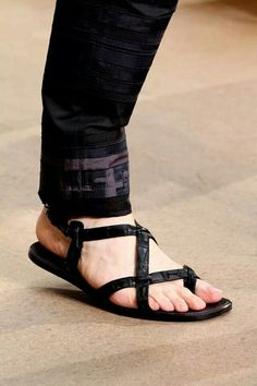 Louis vuitton sandals footwear