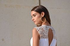 Bohemian wedding dress embroidery lace at the top open von Barzelai