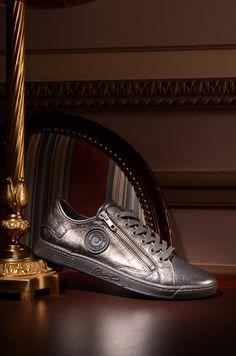 Pataugas FW16 - Baskets JESTER en cuir métallisé argent / A shopper ici: http://www.pataugas.com/jester-ms-f4b-sneakers-cuir-metallise/#article=25884