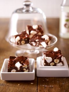Pralinen sind ein besonderes Geschenk. Feine Schokolade, eine Prise Nuss- und Mandelkern - unsere Pralinen Rezepte sind raffiniert und