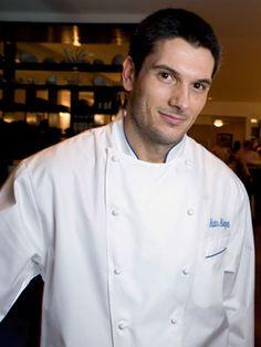 Directo de Italia, para el mundo entero, el chef Alain Allegretti. No sé por qué, pero de repente se me antojó un espagueti al pesto. :P