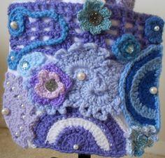 Stoffbeutel mit blau und lila Freeform-Crochet von CrochetByTeresa, Muster - keine Anleitung