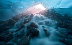 http://i.telegraph.co.uk/multimedia/archive/02662/POTD_glacial_tunne_2662196k.jpg