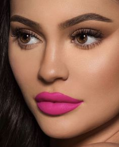 Say No More Velvet Liquid Lipstick Lip Kit by Kylie Jenner. The Kylie Cosmetics Liquid Lipstick Lip Kit is your secret weapon to create the perfect 'Kylie Lip.' Each Lip Kit comes with a Velvet Liquid Lipstick and matching Lip Liner. Pink Lipstick Makeup, Hot Pink Lipsticks, Kylie Jenner Makeup, Liquid Lipstick, Kendall Jenner Maquillaje, Kylie Cosmetic, Linda Hallberg, Gorgeous Makeup, Nice Makeup