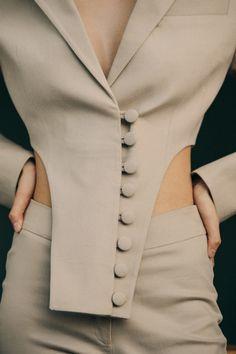 Lust In Milanese Style – Top 10 Milan Fashion Brands Look Fashion, Fashion Details, Daily Fashion, Runway Fashion, High Fashion, Womens Fashion, Milan Fashion, Fashion Art, Fashion Ideas