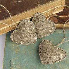 Decoration de noel: 5 coeurs en toile de jute                                                                                                                                                                                 Plus