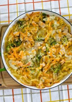 Chicken. Broccoli and Cauliflower Pasta Bake | Slimming Eats - Slimming World Recipes