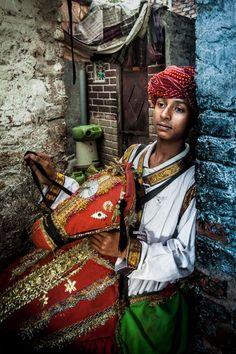Dancer of Kachhi Ghodi in Kathputli Colony Slum, New Delhi, India