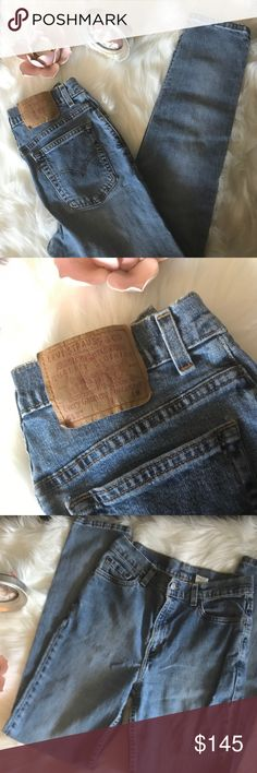 🦋 VINTAGE LEVI'S 512 HIGH WAISTED MOM JEANS SZ 8 🦋 Fabulous pair of Levi's 512 high waisted slim fit tapered leg mom jeans. These jeans represent the early 1990s and I wore them tons. Perfect retro fading on the leg portion with some fraying on the hem as shown in photos. Size 8. Levi's Jeans