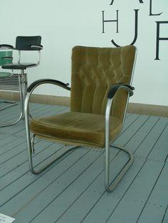 Interesse voor design, maar soms is innoveren niet nodig. De Gispen 412 (1934) blijft mooi.